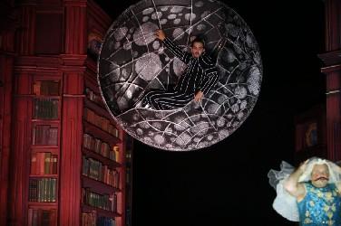 Könyvtárnyi mese – Weöres Sándor: Holdbeli csónakos (Pécsi Nemzeti Színház)